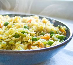 Easy Gluten Free Fried Rice  ~Find Organic & All-Natural Gluten-Free ingredients at Earth Fare! http://www.earthfare.com/