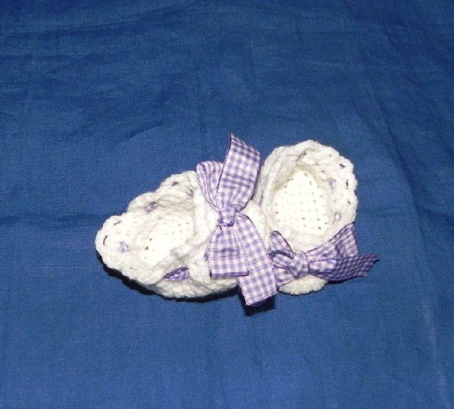 Scarpette bimbi realizzate ad uncinetto in cotone 100% o lana