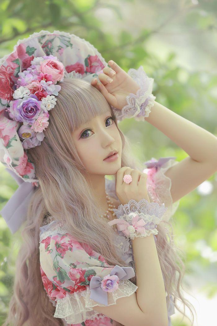 Cute Kawaii Lolita Dress / Bonnet / Lolita Girl / Fashion Photography / Cosplay  // ♥ More at: https://www.pinterest.com/lDarkWonderland/