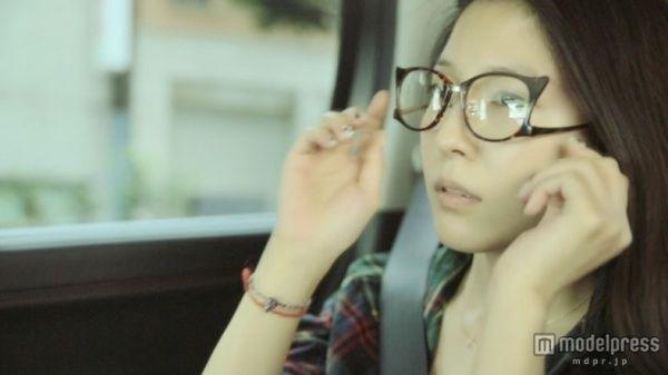 「完全なるすっぴん」を初披露したBoA/「First Time」MVより【モデルプレス】