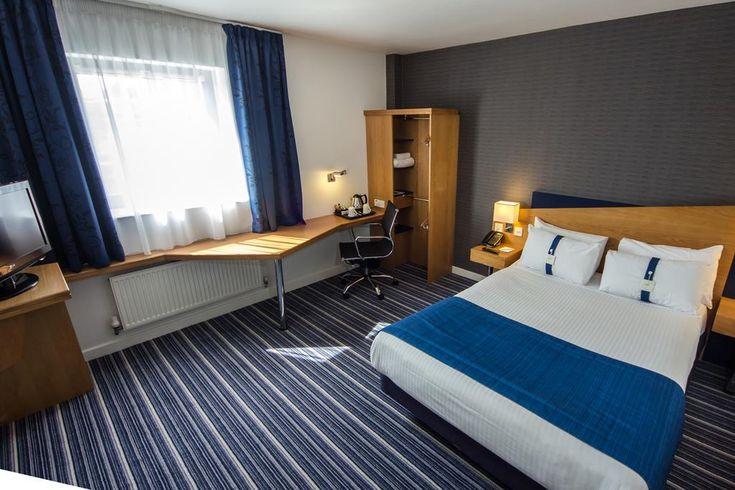 Holiday Inn Express Royal Docks London Hotels Modern Hotel Country Hotel