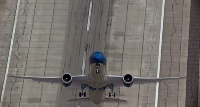Boeing 787-9 Faz a Mais Impressionante Decolagem Vertical