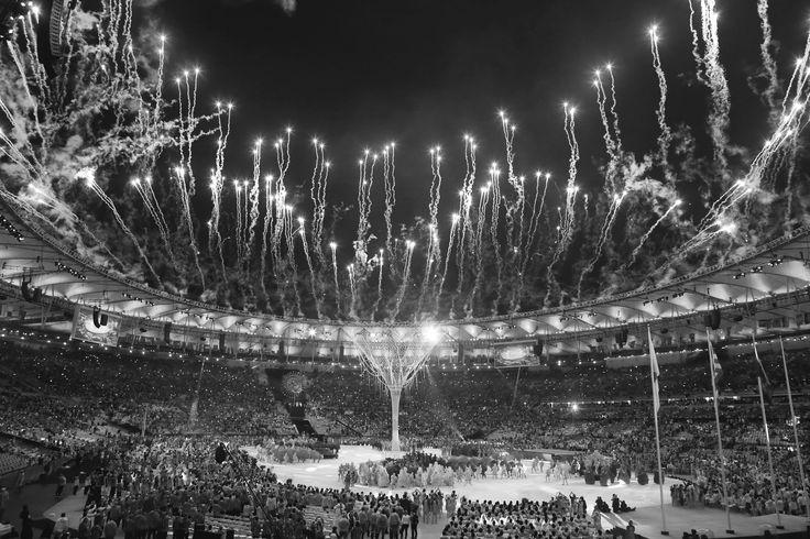 Em 2016, fui trainee durante as Olimpíadas do Rio, na área de Logística e Support Services na OBS (Olympic Broadcasting Services), que é a empresa chave para a transmissão de todos os jogos olímpicos. Foi uma experiência única e enriquecedora, na qual pude aprender muito sobre marketing B to B, transmissão televisiva, além de me relacionar com pessoas de diversos lugares do mundo, conhecendo outros costumes e culturas.
