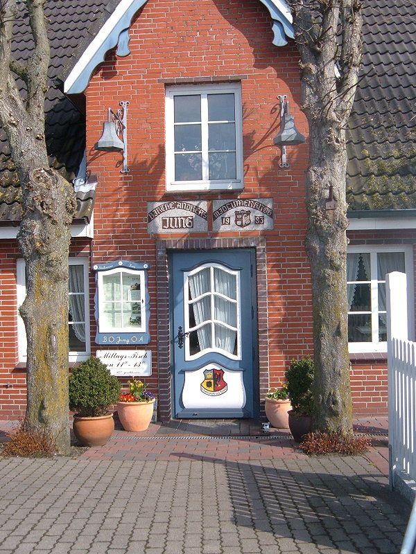 Die schönen Haustüren von der Insel Föhr...3 wurde in Deutschland, Wyk Auf Föhr aufgenommen