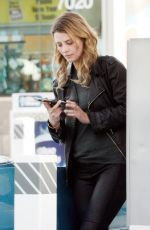 Mischa Barton was spotted as she stopped at a gas station in LA http://celebs-life.com/mischa-barton-spotted-stopped-gas-station-la/  #mischabarton