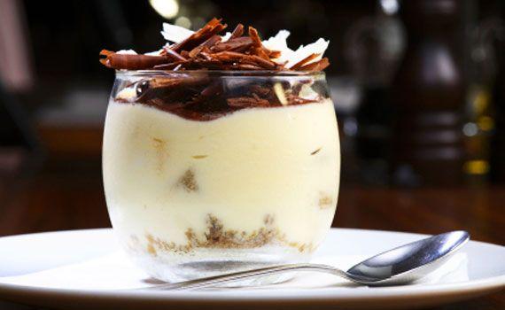 Semifreddo al panettone con ricotta e scaglie di cioccolato | I dolcetti di Paola