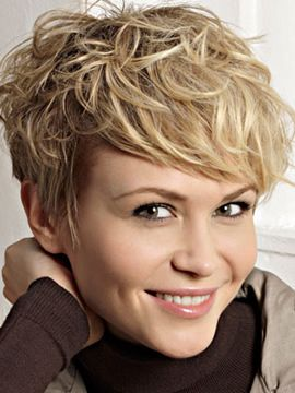 natural curly pixie hairstyle for women
