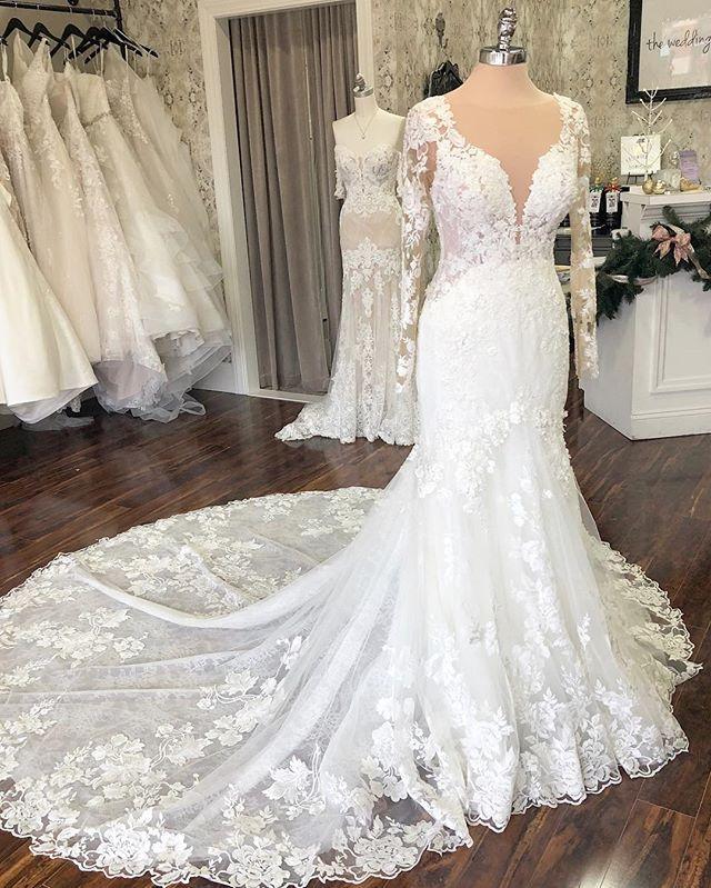 The Wedding Studio Indianapolis Indiana Martina Liana Long Sleeve Wedding Dress Long Sleeve Wedding Dress Lace Christmas Wedding Dresses Fitted Wedding Gown