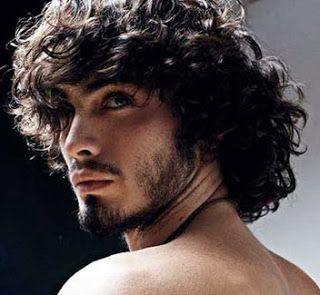 Fotos de cortes de cabelo masculino cacheado grande                                                                                                                                                      Mais