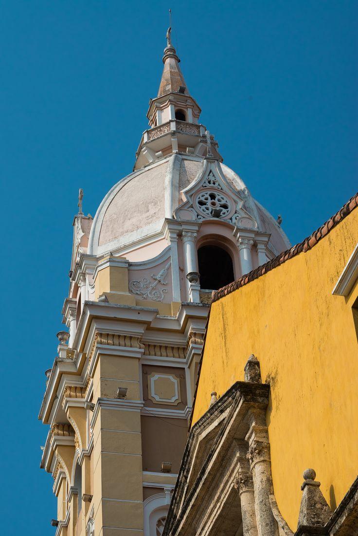 Catedral de Santa Catalina de Alejandría finalizada después destrucciones de piratas y retrasos en 1612.
