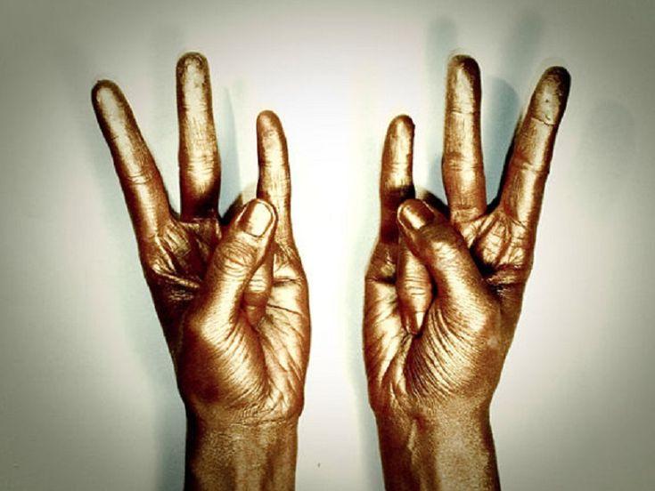 Překvapivě to funguje! Stačí držet ruku v této poloze a s vaším tělem to udělá hotové zázraky | ProSvět.cz