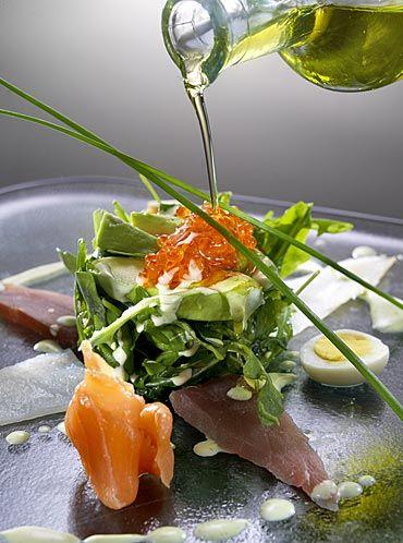 Ensalada de rúcola con ahumados y aguacate #recipes #cuisine