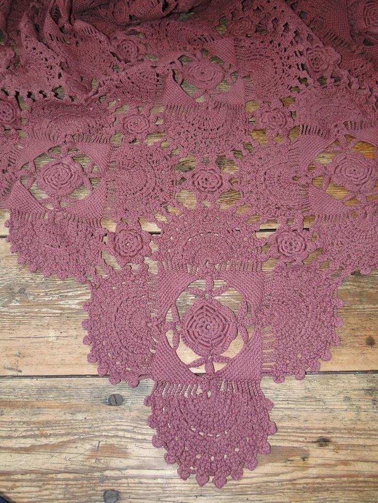 grand crochet ancien teint couleur lie de vin 100. Black Bedroom Furniture Sets. Home Design Ideas