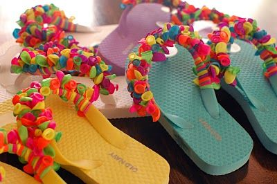 Balloon Flip Flops   The Perfect Summer Project to Keep Your Older Kids Occupied~ fun for parties too!
