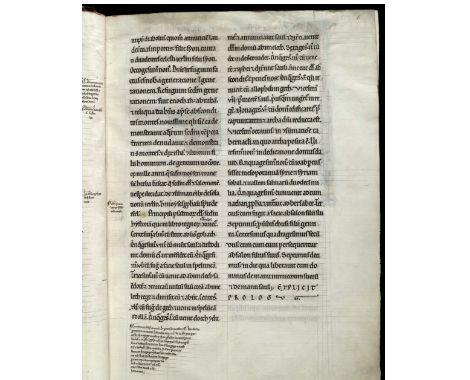 Even the annotations on the bottom margin follow colored ruling lines. Text in the main text area on the other side, ocuppies all the space between two lines, and left the next empty. Great legibility. PRIMA PARS PSALTERII GLOSATI SEC. HEREBERTUM DE BOSHAM. (6r) (Trinity College Cambridge, http://trin-sites-pub.trin.cam.ac.uk/james/viewpage.php?index=453) Use under CC license (https://creativecommons.org/licenses/by-nc/4.0/)