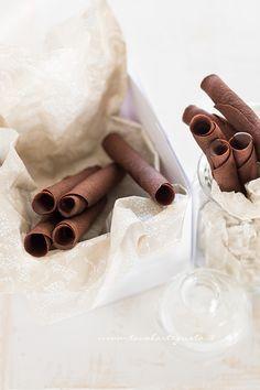Sigarette di cialda al cacao- Ricetta Sigarette di cialda al cacao;