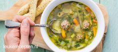 Een snel en makkelijk recept voor groentesoep met zelfgemaakte balletjes van rundergehakt