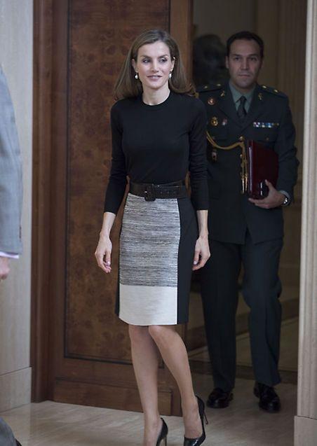 El feliz reencuentro de la Reina con amigos y antiguos compañeros de Televisión Española - Foto 1