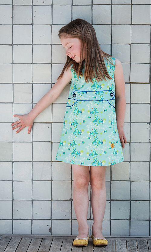 Birds flying high! De #lente is er, de #vogeltjes fluiten. Allemaal naar buiten!  #birds #dresses #jurkjes #zomerjurkjes #kinderkleding #Kids #clothing #retro #lichtblauw #pastel #blauw #blue