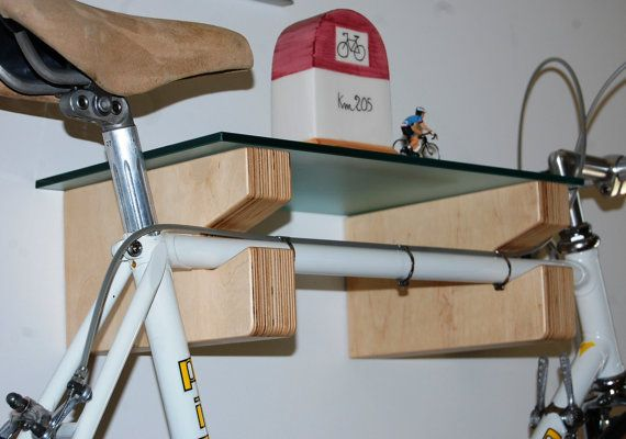 Bicycle rack shelf GINO of G. Bicycle shelf made of Birch plywood insert complete with wall fixing pins and worktop in 6 mm laminated glass, transparent or etched. Bike Storage Rack, Diy Storage Shed, Rack Shelf, Bicycle Stand, Bicycle Rack, Woodworking Shop, Woodworking Projects, Bike Wall Mount, Bike Storage Solutions