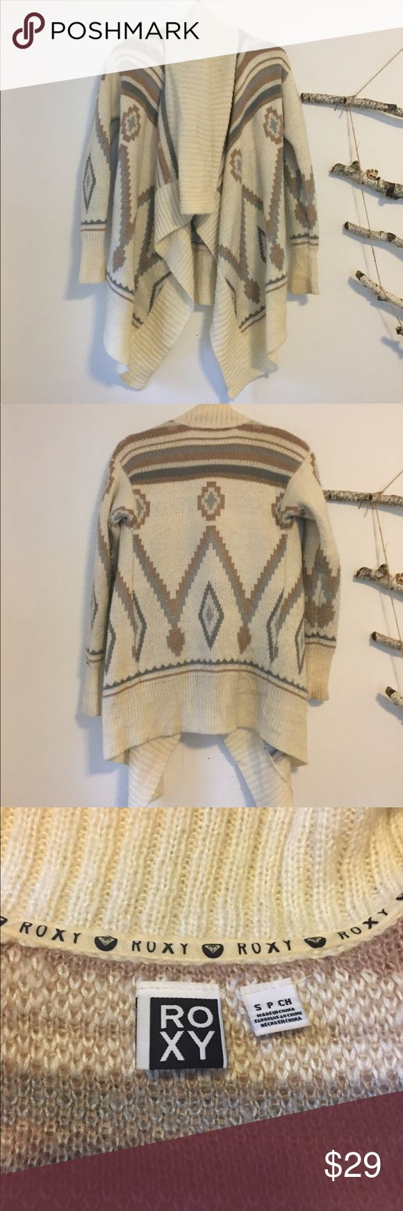 Roxy tribal print wrap sweater Roxy tribal print wrap sweater. So soft and warm. Excellent condition! Roxy Sweaters