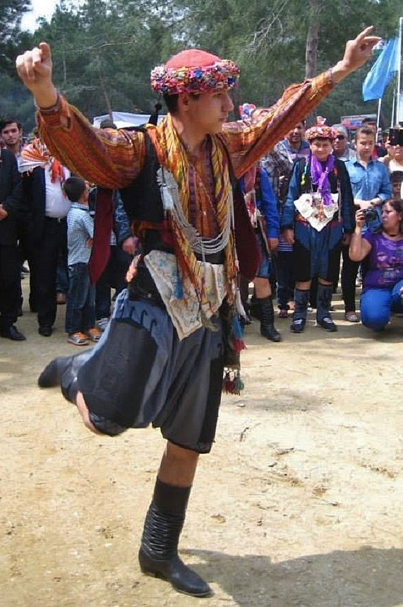 A light version of the 'Efe' costume from the Izmir-Aydın region (without the vest with long sleeves).  The costume style goes back to the 1920s.  This is a recent workshop-made copy, as worn by folk dance groups.