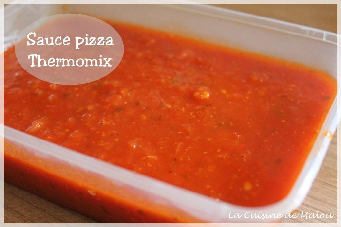 Bref, cette recette est très rapide à faire et a beaucoup de goût. Tout le monde a beaucoup apprécié cette sauce pizza au thermomix, et moi d'autant plus, car avec toutes ces tomates, ça fait plaisir quand ça va vite. Je n'ai pas mis de poivron dans ma sauce... #express #italie #pizza