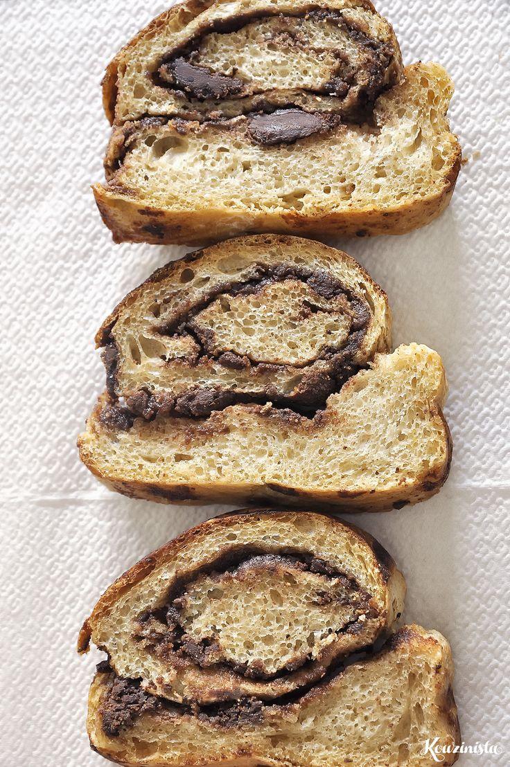 Ένα νόστιμο και διαφορετικό ψωμί για το πρωινό. Με σοκολάτα για όσους δεν πείθονται να φάνε ταχίνι, και ταχίνι για όσους χρειάζονται κάτι θρεπτικό για να δικαιολογήσουν την αγάπη τους για σοκολάτα.…