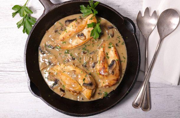 Egyszerű mustáros, serpenyős csirkemell   femina.hu