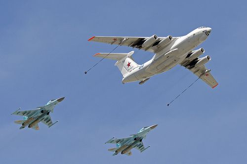 Russian Airforce Il-78 (50 blue) and Su-34 (02 and 03 red)… | Flickr