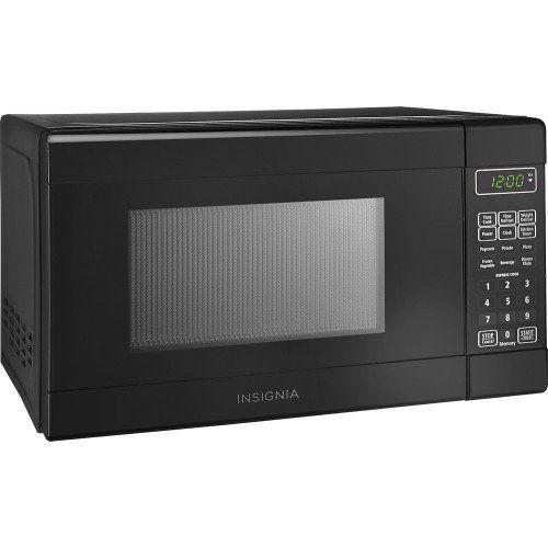 Insignia™ – 0.7 Cu. Ft. Compact Microwave – Black