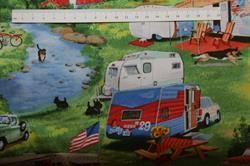 Patchwork stof med campingvogne, glade børn, hunde og natur