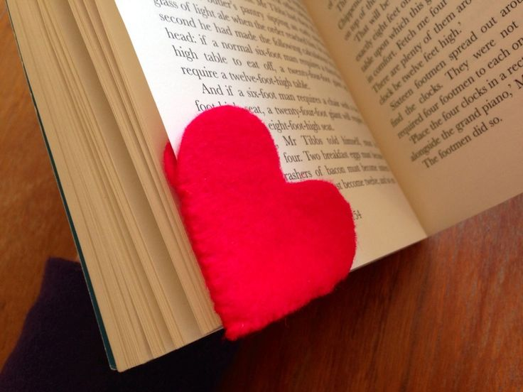 Hand sewn bookmark, bookmark kids craft, valentines craft, heart book mark  - Felt Heart Bookmark