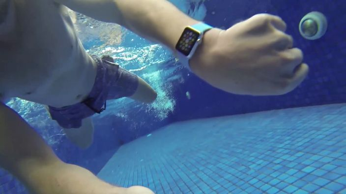 Apple Watch waterproofness tested, unaffected by 15 minutes of submersion (Video)