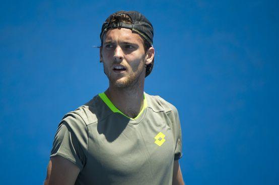"""O português João Sousa subiu um lugar no """"ranking"""" ATP e é agora 39.º na hierarquia mundial. Novak Djokovic continua a liderar seguido por Rafael Nadal e Roger Federer."""