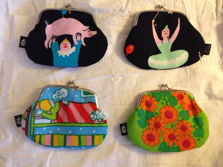 Purse, coinpocket outside and cardholder inside