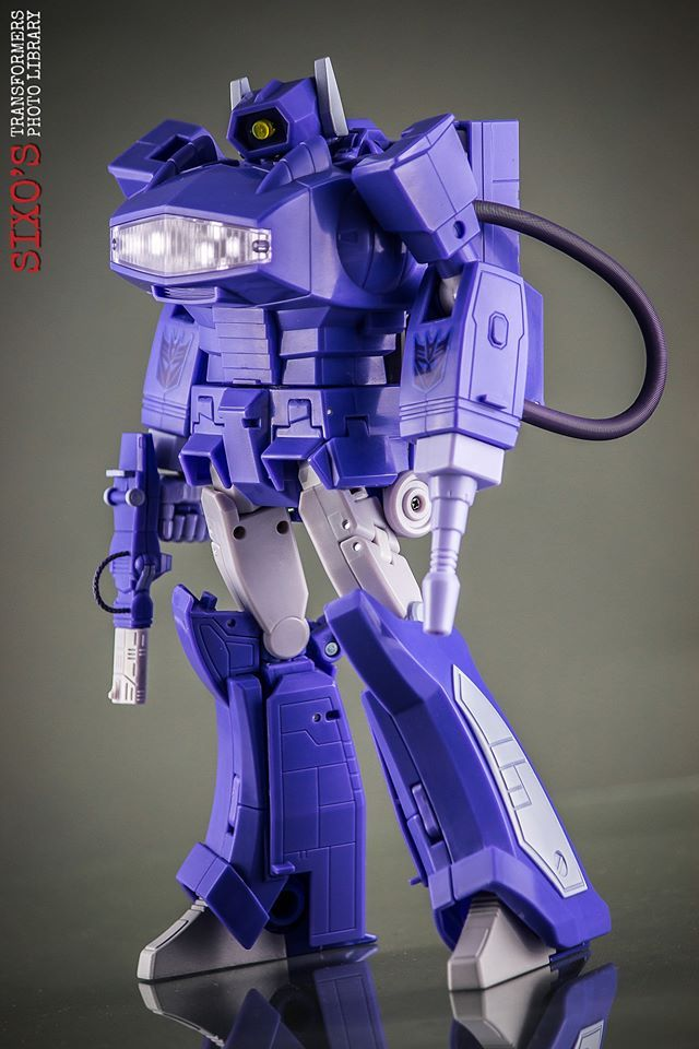 Transformers Masterpiece MP-29 Laserwave (Shockwave)