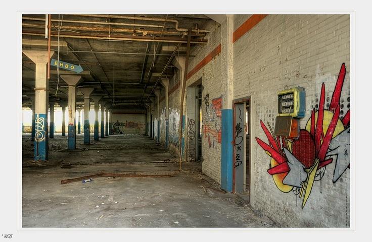 Bekijk de foto locatie: Bruynzeelcomplex