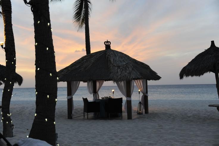 Romantic dinner set up at Bucuti Beach