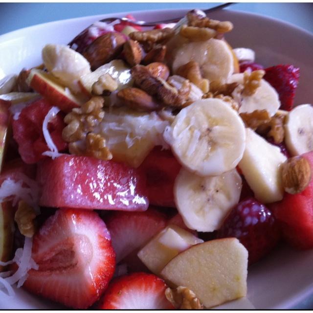 Bionico Fruit salad with honey and sweet creme