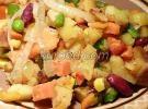 Овощное рагу с картофелем, морковью, фасолью, горошком и кукурузой