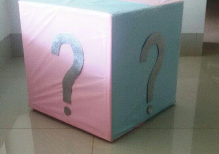 Caixa revelação do sexo do bebê.