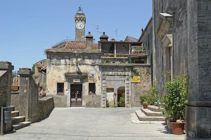 Sorano - town centre