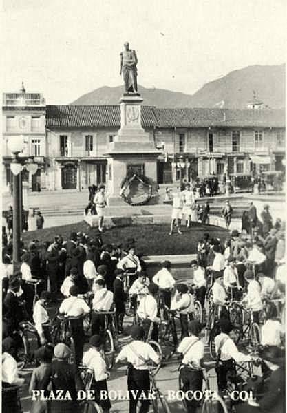 Santafé de Bogotá - Plaza de Bolívar. Publicación de Joselh Hómez.