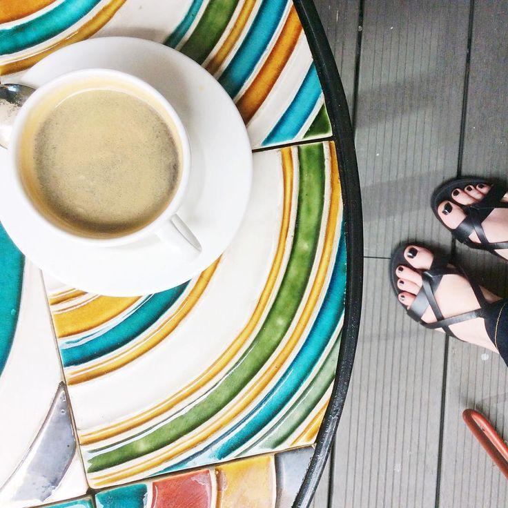 Komu w drogę, temu espresso ☕️ P.S. Taki cudny stolik! #coffee #design #wnetrza #mylife #bcp2015