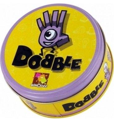 Dobble: Busca el símbolo idéntico en dos cartas, dílo en voz alta y coger o deja una carta, según las reglas del mini-juego al que estéis jugando.