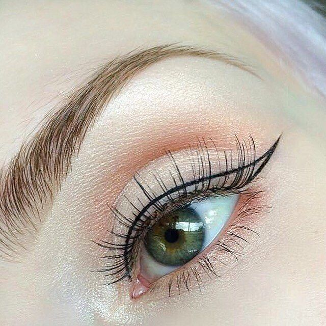Look 2: Simplicity. Though it looks simple, this wing was so difficult to draw  without dark shadows and full lashes, there's nowhere to hide smudges and wobbles.  @anastasiabeverlyhills Brow Wiz in Medium Brown with @rimmellondonuk 'Brow This Way' Clear Brow Gel  @anastasiabeverlyhills #abhilluminator in 'Starlight' (over entire eye - from brow bone to lower lash line because it is SO SO beautiful ); @illamasqua 'Furore' Pigment (inner corner)  @anastasiabeverlyhills 'Morocco' (light...