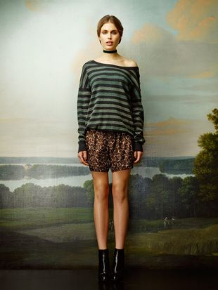Rützou sweater with stripes and silk shorts