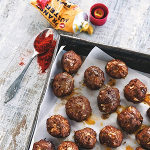 Recept - Gehaktballetjes uit de oven - Allerhande - Zie ook recept Tagliatelle met gehaktballetjes en paprikasaus