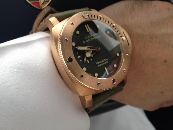 OMG, this watch is truly AMAZING! Luminor Submersible